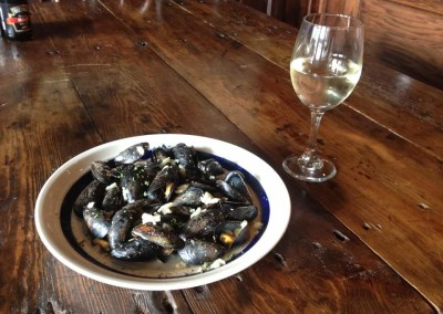 Galway mussels! Tender mussels in Galways whickey, grain mustard and Irish cheddar.
